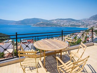 4 Bedroom Villa with Secluded Pool and Panoramic Views of Kalkan and Kalkan Bay
