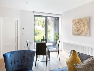 Modern 2 bedroom Family Apartment for 6 - Camden Town - 4 Stops from West End