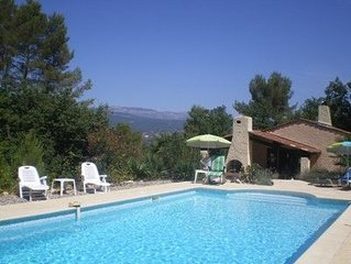 Family friendly villa with large swimming pool, extensive gardens and internet