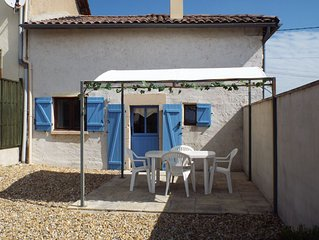 Fennel - Cottage With South Facing Views - Sleeps 3 (1 Bedroom)
