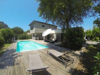 Maison contemporaine 180m2, au calme, piscine chauffée, à 800m de l'océan