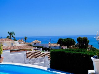 OFFER OctobeNovember! 3 bed villa, Open Sea view ! Priv.pool.1level. Free Wi Fi