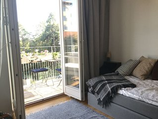 Waterfront with lovely sunny balcony 1-bedroom & big kitchen