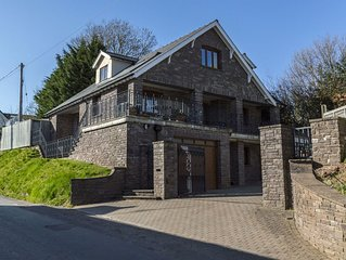 Spacious 5 bed property with hot tub/sauna situated in picturesque Grosmont