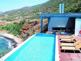 Deluxe Villa, Private Infinity Pool, Jacuzzi, Sauna, Majestic Position & Spectac
