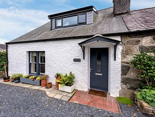 Desirably located in Llanbedrog and with on trend styling, this individually des