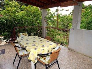 Three bedroom apartment with terrace Zavala (Hvar) (A-593-a)