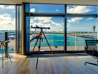 Penthouse with large terrace near Beach & Harbour