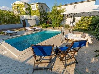 Luxurious Villa in Sibenik with Pool