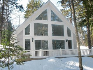 Dog Friendly Lakefront Cottage in downeast ME - A Winter Wonderland!