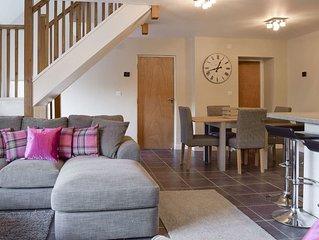 2 bedroom accommodation in Alvescot, near Bampton