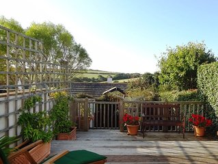 Visit England 4**** rated cottage 10 mins walk Padstow harbour. WIFI. Parking.