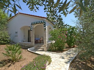 Two bedroom apartment near beach Mandre (Pag) (A-12567-a)