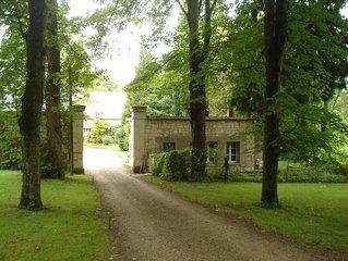 Petite maison independante situee au pied du chateau de Pierrefonds
