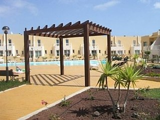 Townhouse,mountain and  Sea Views And Communal Pool