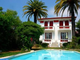 très belle villa époque 1920, piscine 8*4 , 5mn à pied de la mer, salon 30m2: pa