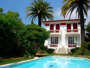 tres belle villa epoque 1920, piscine 8*4 , 5mn a pied de la mer, salon 30m2: pa