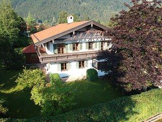 5-Sterne Landhaus für bis zu 12 Personen mit 340 m² Wohnfläche und großem Garten