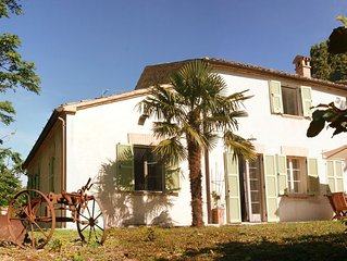 Genießen Sie die zauberhafte Atmosphäre dieses familienfreundlichen Anwesens!