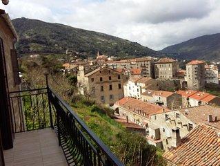 Appartement T3 dans Sartène à 5mn à pied du centre,vue panoramique.