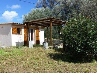 Mini villa + terrasse sur grand terrain  à Muratello pour 2 personnes