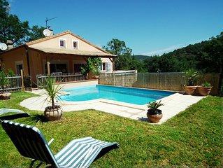 Villa avec piscine Privee, au calme avec vue sur la montagne
