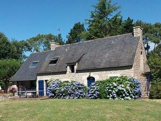 Grande longère bretonne, charme et tranquillité entre mer, campagne et village