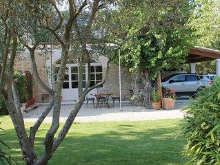 gite cosy proche du Luberon avec piscine.