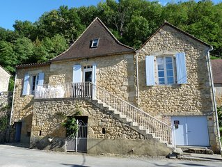 Charmante Périgourdine du 18 eme au bord de la Dordogne, superbe vue rivière .