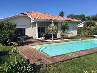 SANGUINET à 1km du Lac. Villa avec piscine chauffée privée