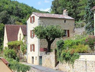 Maison de gabarier au ceour historique du village medieval de La Roque Gageac