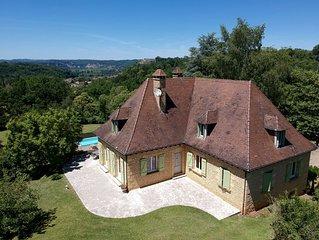 Grande Maison Périgourdine avec un panorama exceptionnel, pour 12 personnes