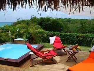 Bungalow Tipayoune à Sainte-Anne avec piscine et spa a 30 m de la plage