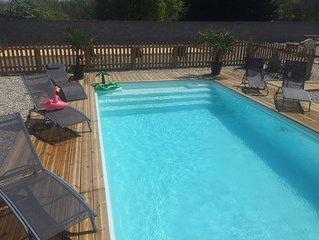 Maison  cinq chambres ,piscine privee chauffee terrain de petanque 14 personnes