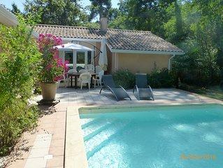 Agreable villa tres tranquille a 400m de la plage, avec piscine et jacuzzi.