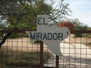 Hilltop Hideaway, El Mirador, 360 Degree Views,Pet Friendly