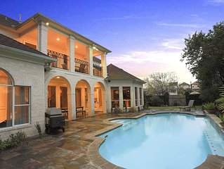 Luxury Home Great Location, 4,600 SQ feet with Swimming Pool