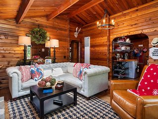 Newly Renovated and Decorated Original Log Cabin in Timberland