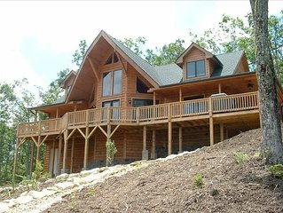 Luxury Log Cabin with Spectacular Views!