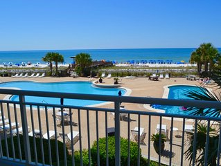 PALACIO w/ 2 Masters  2000sqft Beachfront Sleeps 11. Poolside. Newly Renovated.