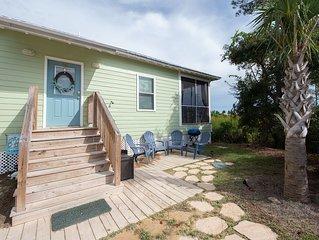3/2 Cottage! Golf Cart Option! Two Master Suites! Bunk Room!