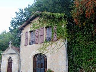 Beautiful Villa with Stunning View in  Saint Cirq Lapopie