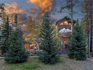 NEW - Wonderful, Spacious Home on Peak 8. Hot Tub. Fireplace. Deck.