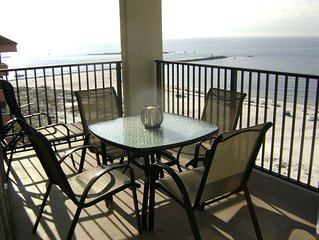 BEACHFRONT CONDO, AWESOME VIEWS ***2 KING BEDS***