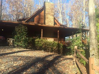 Big Buck Cabin -Close to Young Harris College & Brasstown Valley Resort