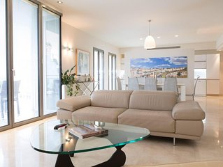 Spacious Mamilla Old City View Luxury 2 Bedroom Apartment