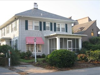 Virginia Beach 4200 Sq Ft Oceanside 'Cottage'  North End! Near Resort District!