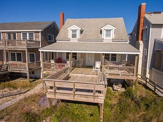 Charming Oceanfront Cottage, Cozy & Clean, 1 Minute Walk To The Beach