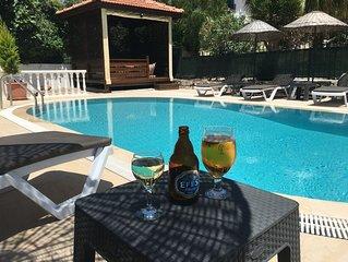 Private 3 Bed Villa w/2 Private Pools, Table Tennis, Darts. Fantastic Location