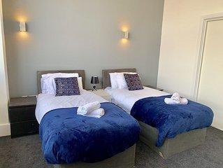 Stylish 2 bed apartment City Centre